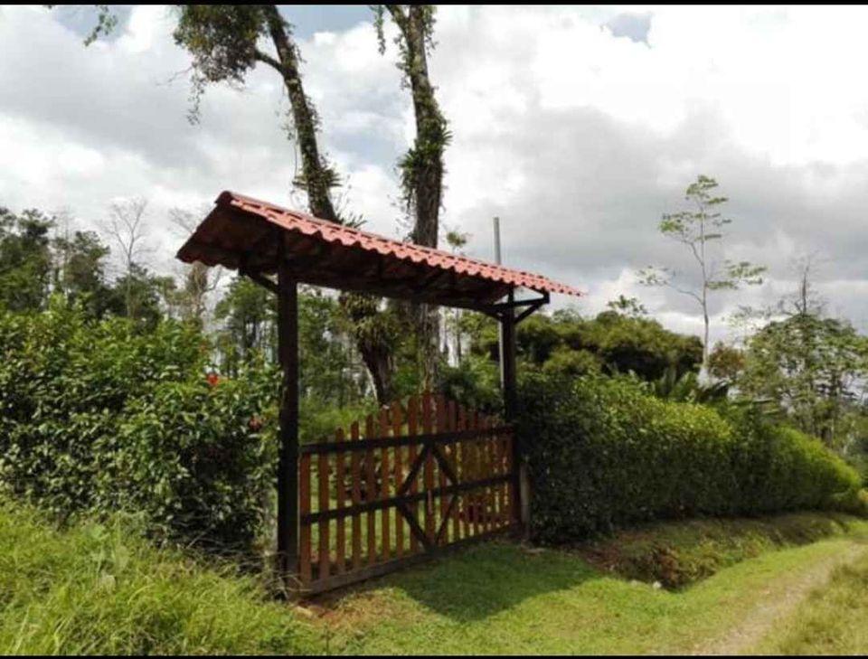 2912 Se vende propiedad cerca de la Fortuna de San Carlos
