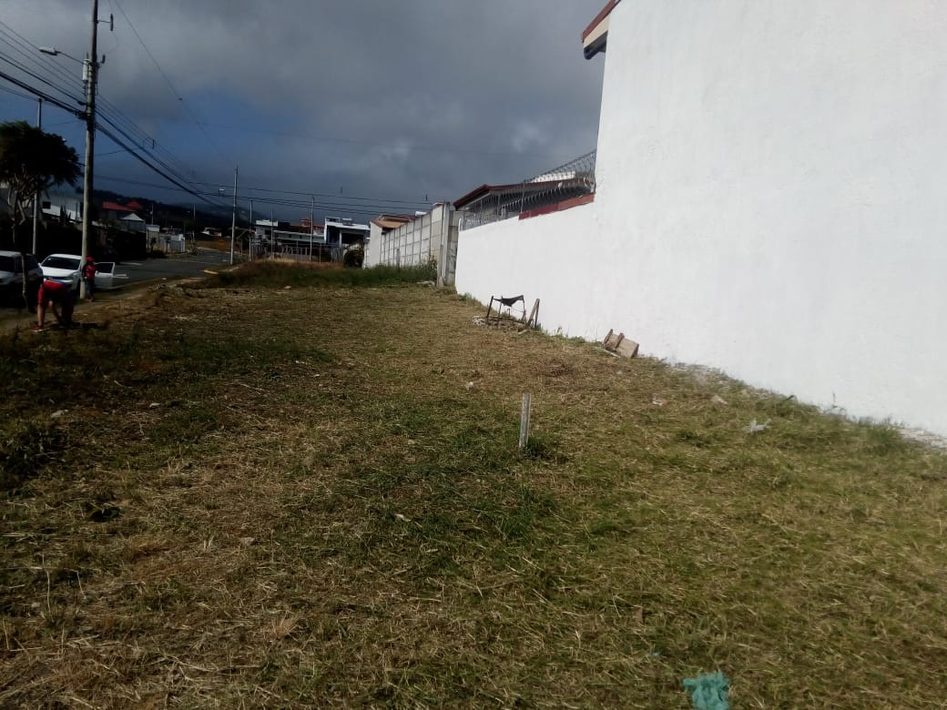 2986 lote con dos frentes a la venta en San Isidro de Heredia