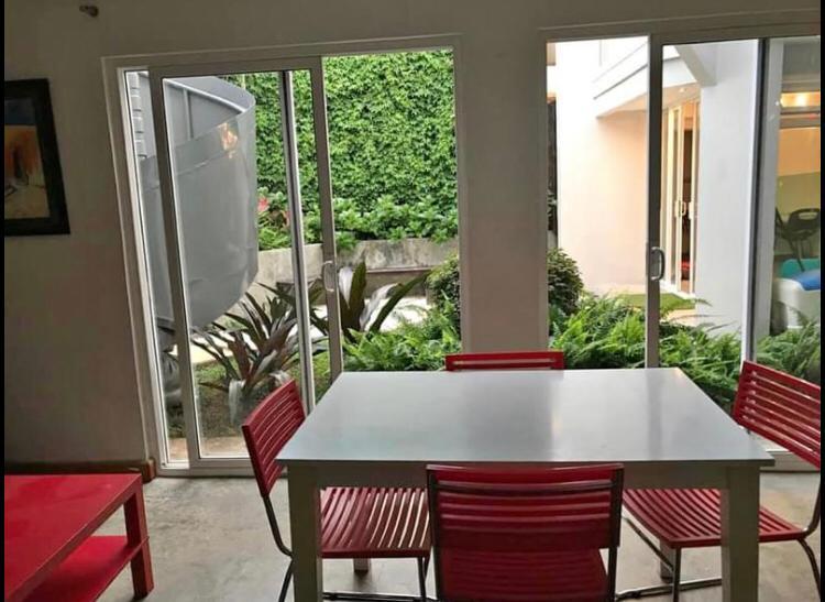 2929 Se alquila apartamento amuebladolindo y moderno en Los Yoses
