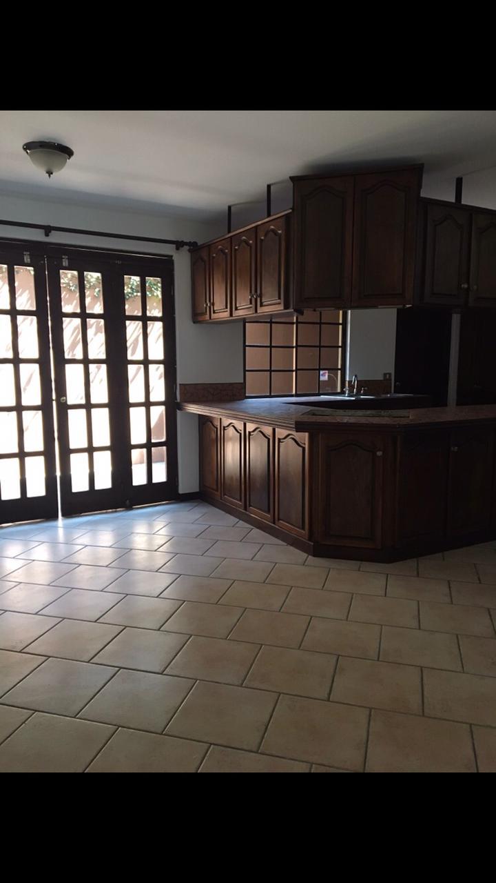 2938 Se alquila apartamento en San Rafael de Escazú