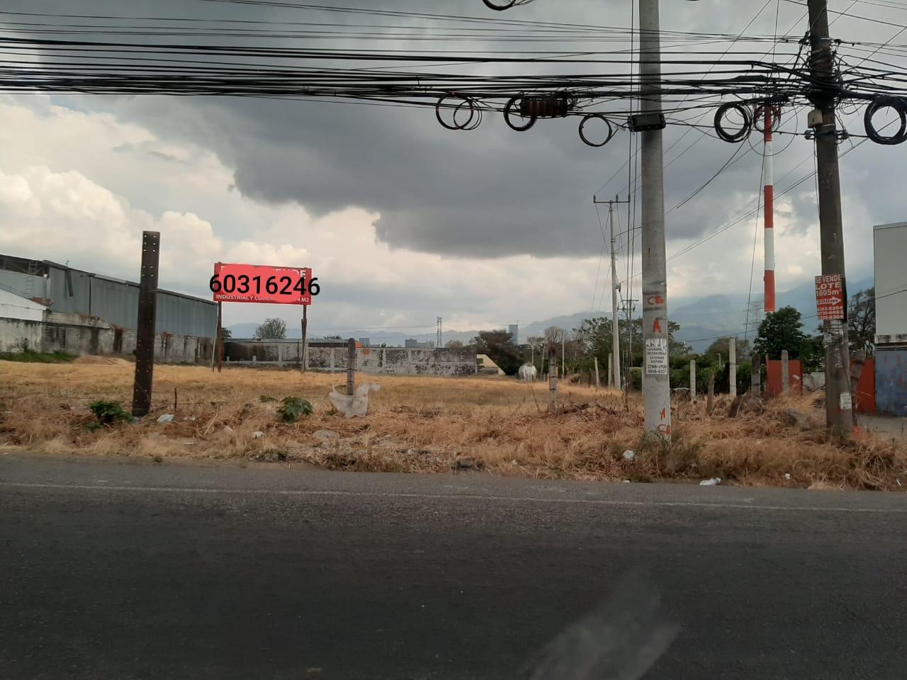 2953 Se vende lote de uso Industrial Santo Domingo