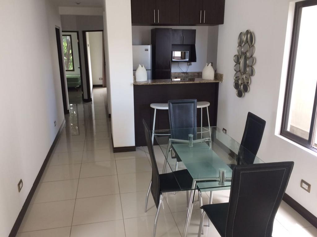 2966 Se alquila Apartamento  amueblado  en  Vistas Cariari