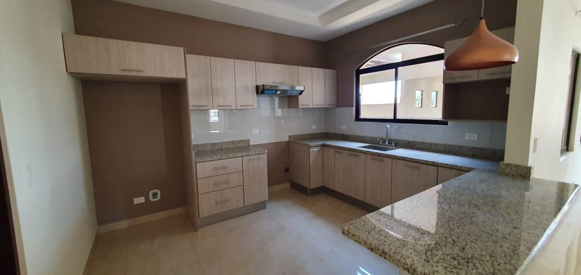 2993 Alquiler de apartamento  En Bosques De Doña Rosa Belén.