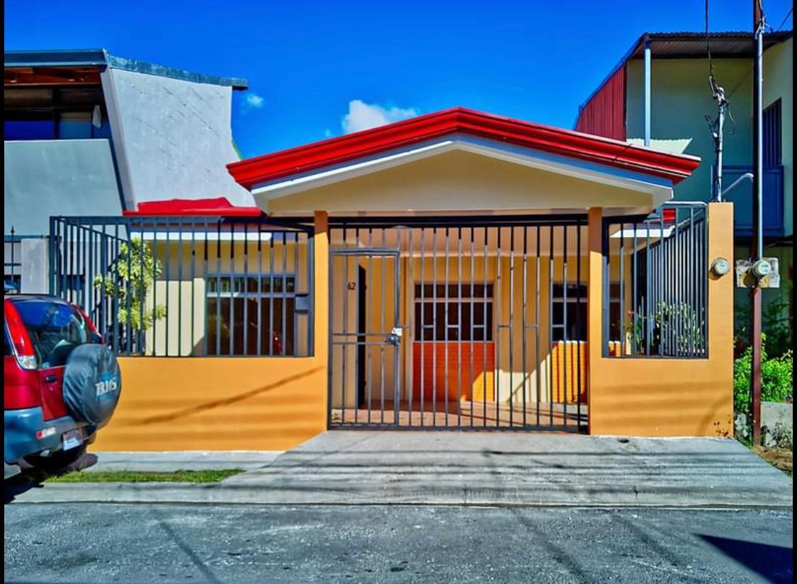 3030 Se vende casa recién remodelada en Tres Ríos