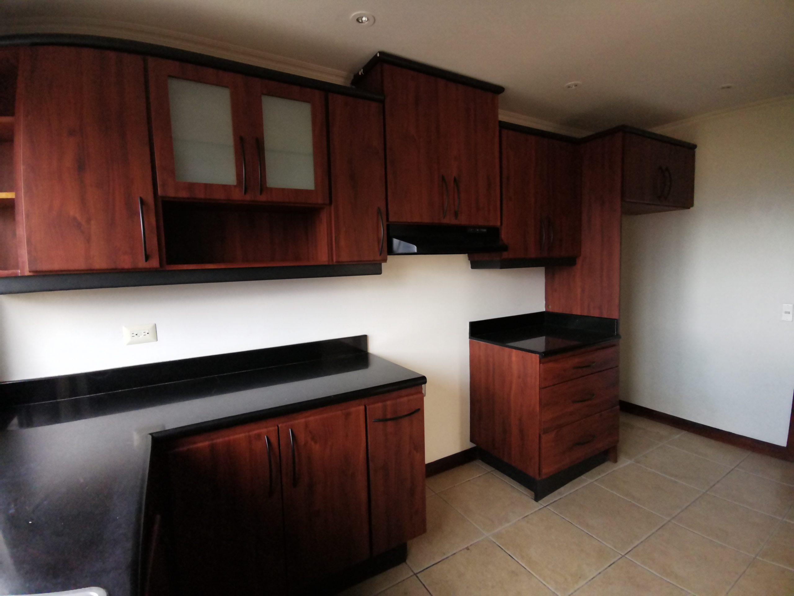 3008 Se alquila apartamento en Escazú