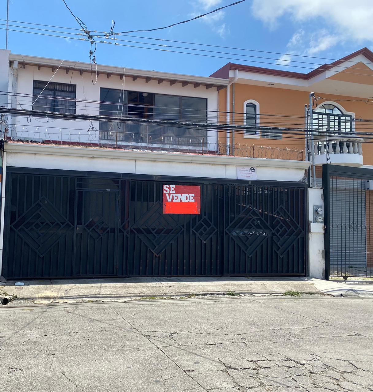 3029 Se vende casa amplia en San Antonio de Coronado
