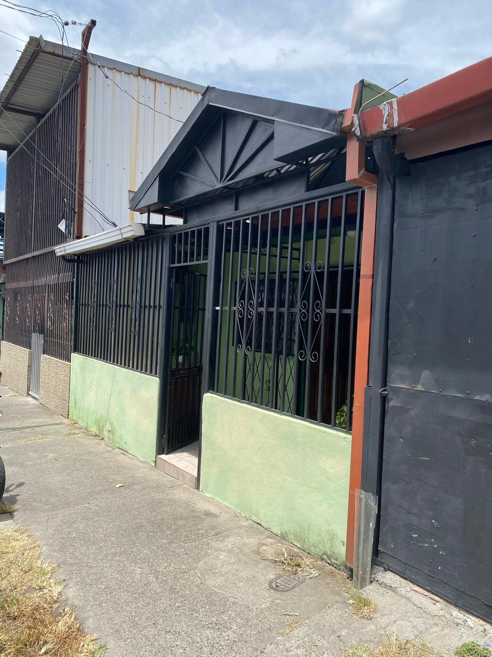 3039 Se vende casa en Guadalupe.