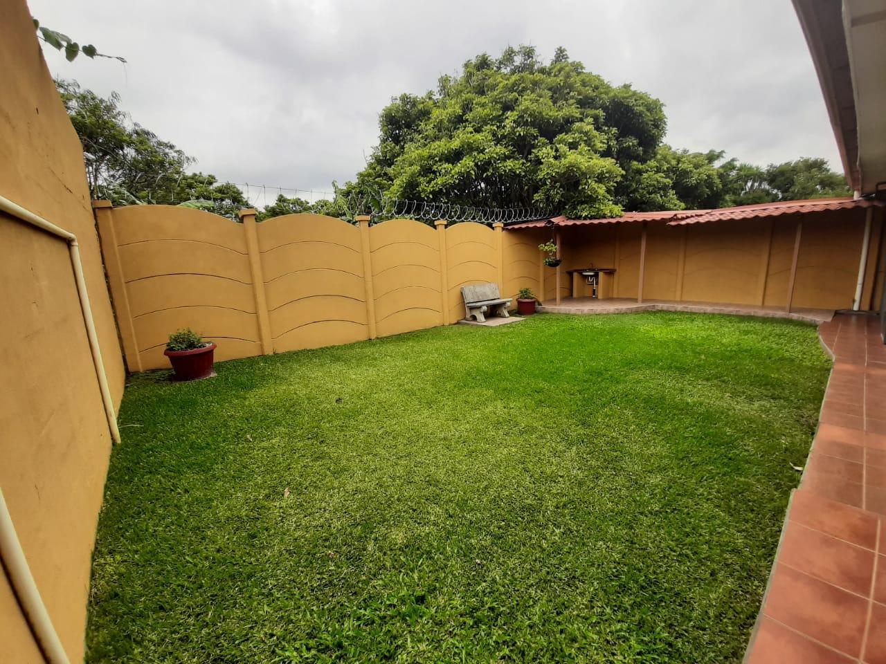 3129 se vende Casa de una planta en Santo Domingo