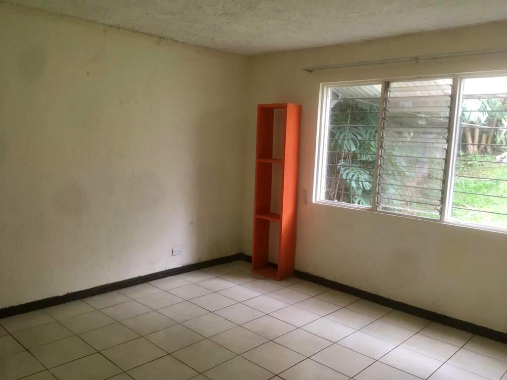3117 Se alquila amplio apartamento en Curridabat.