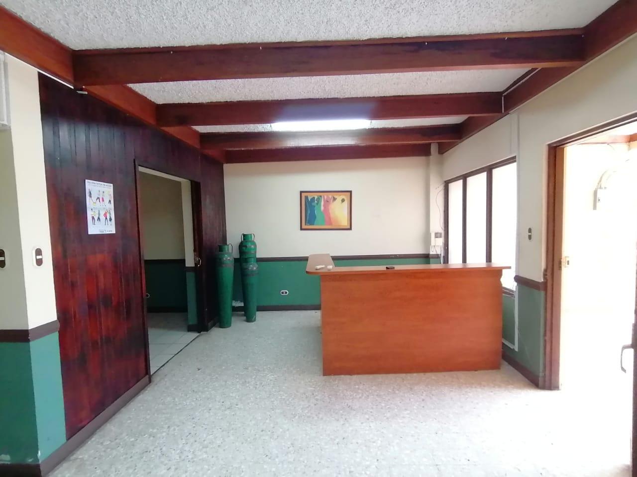 3121 Se alquila apartamento en Sabana Sur
