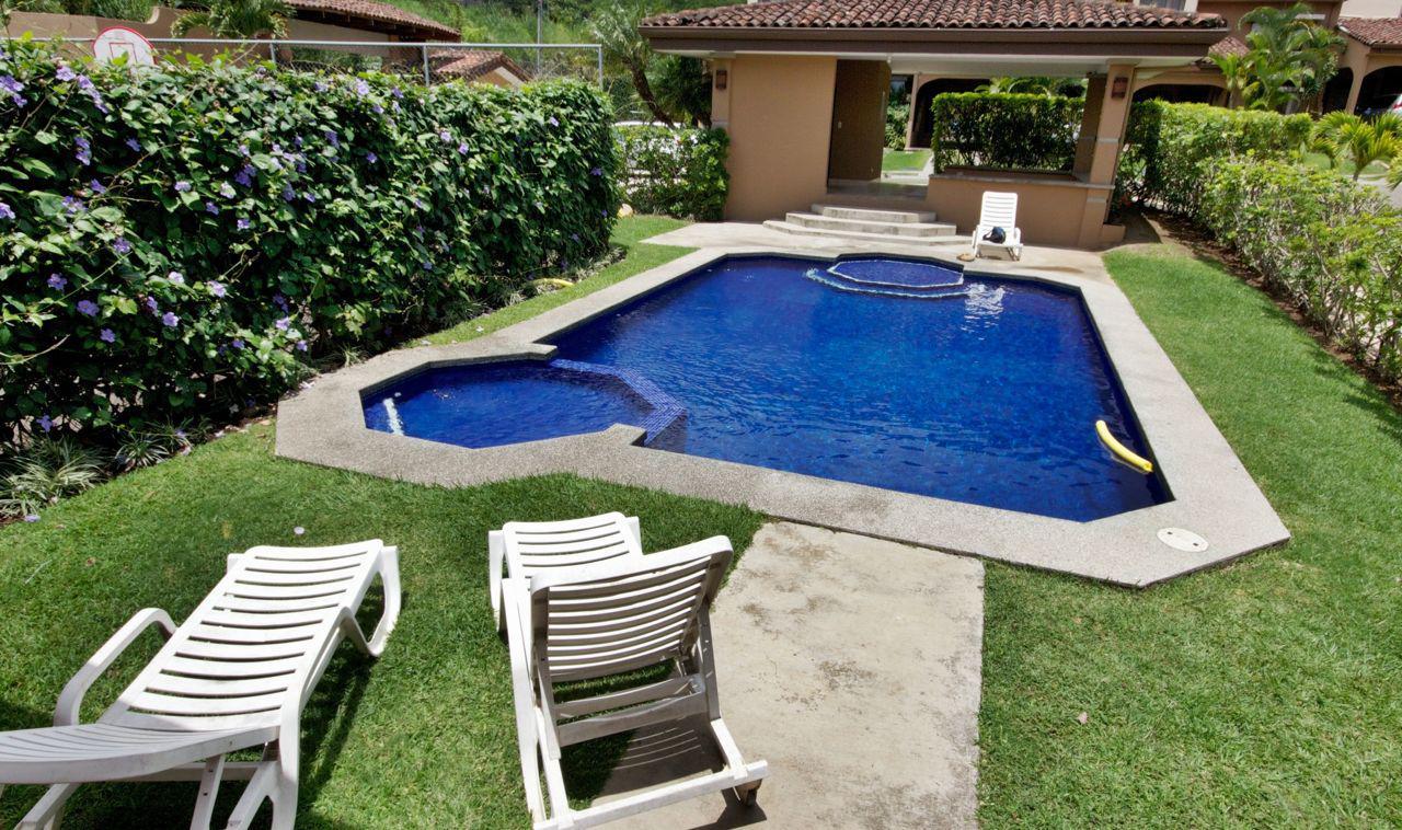 3181 Se alquila casa en condominio en Bello Horizonte