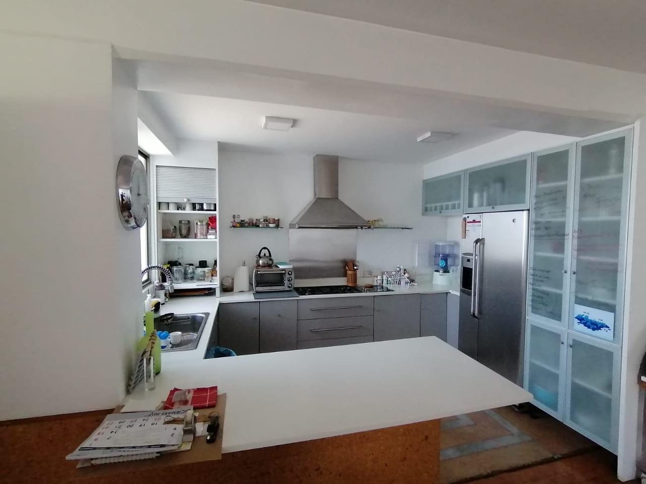 3164 Se vende apartamento en condominio en La Uruca