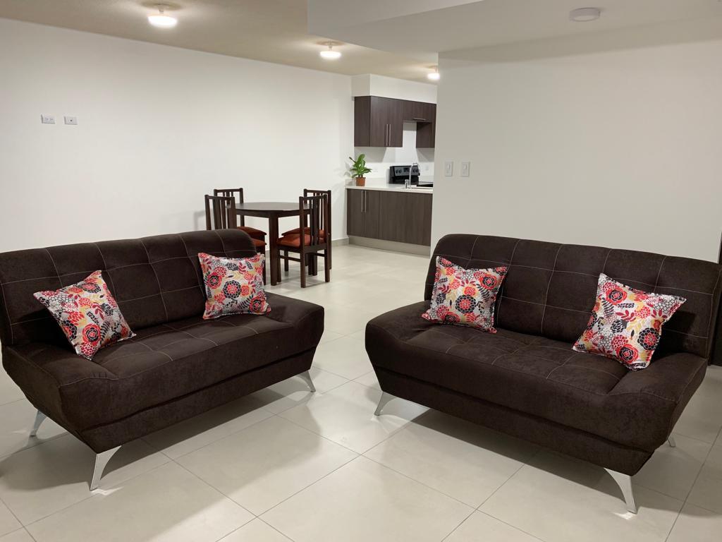 3152 Se alquila apartamento en San Pablo