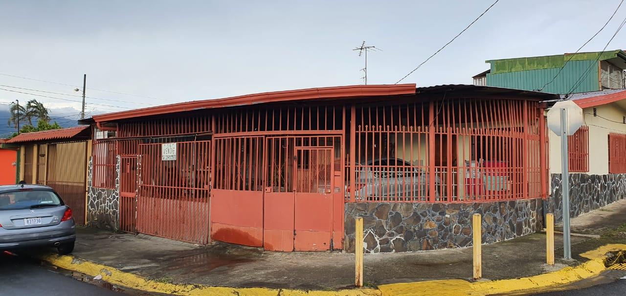 3166 Venta de casa Independiente.