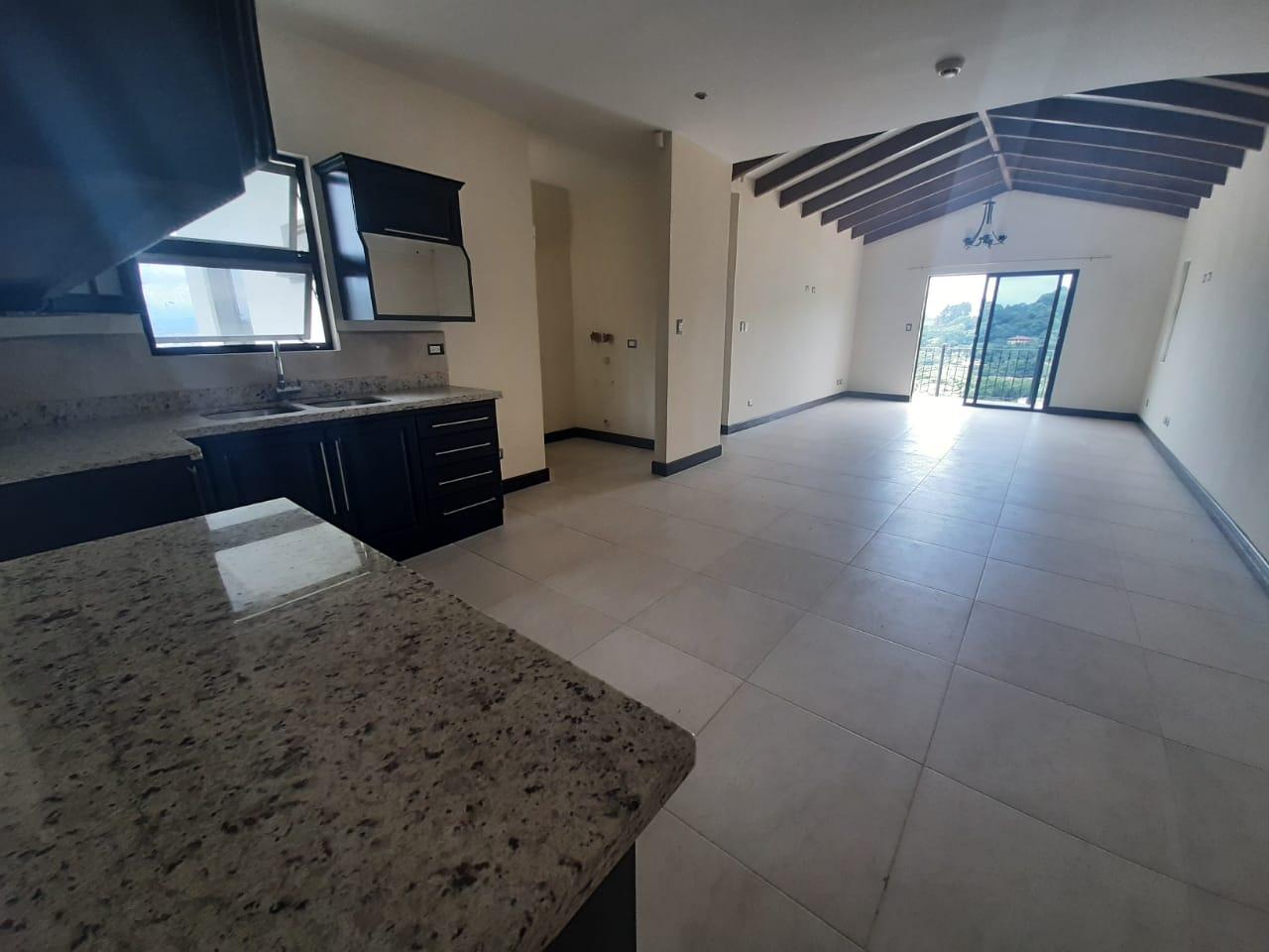3174  Se alquila apartamento en Rio Oro