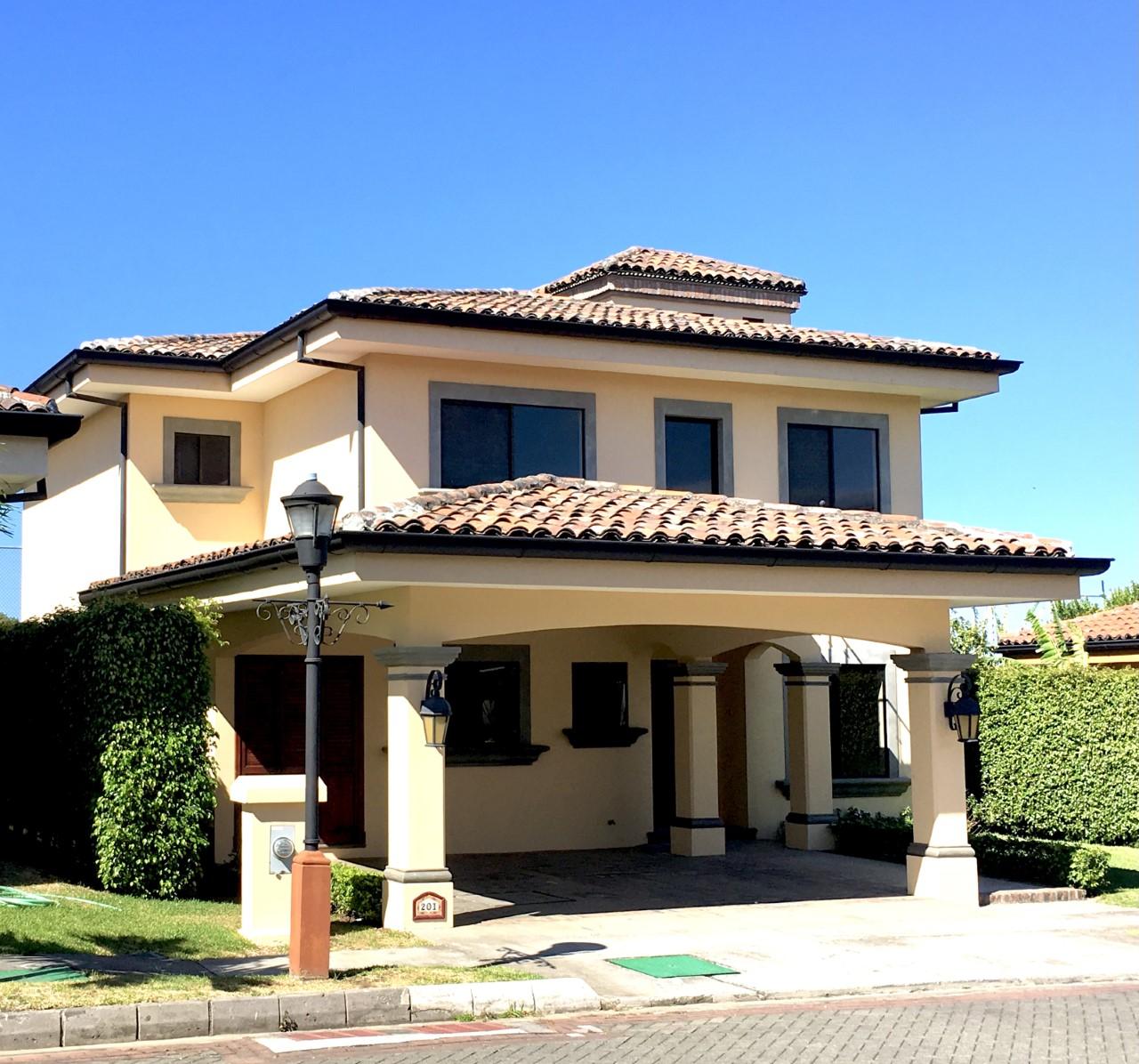 3162 Se alquila Condominio Hacienda Belén, en la Rivera de Belén, frente a Intel.