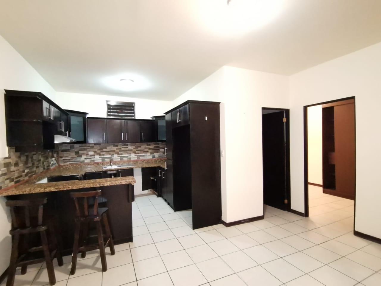 3199 Se alquila apartamento en Rohrmoser