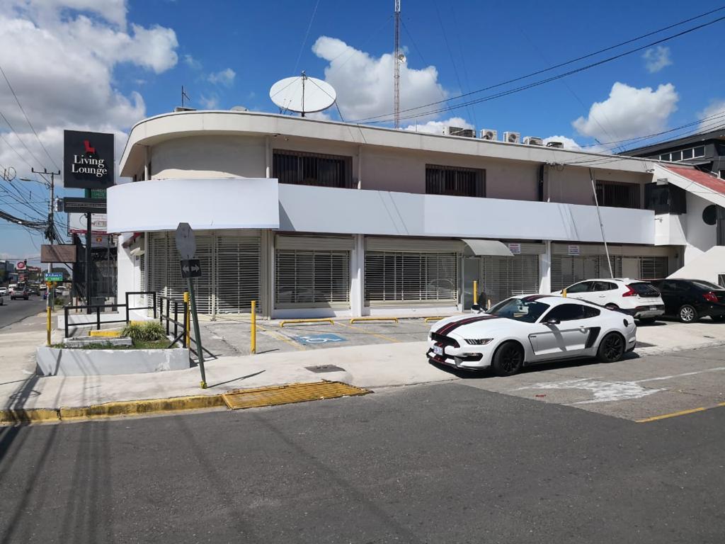 3228 Se vende edificio en San José.