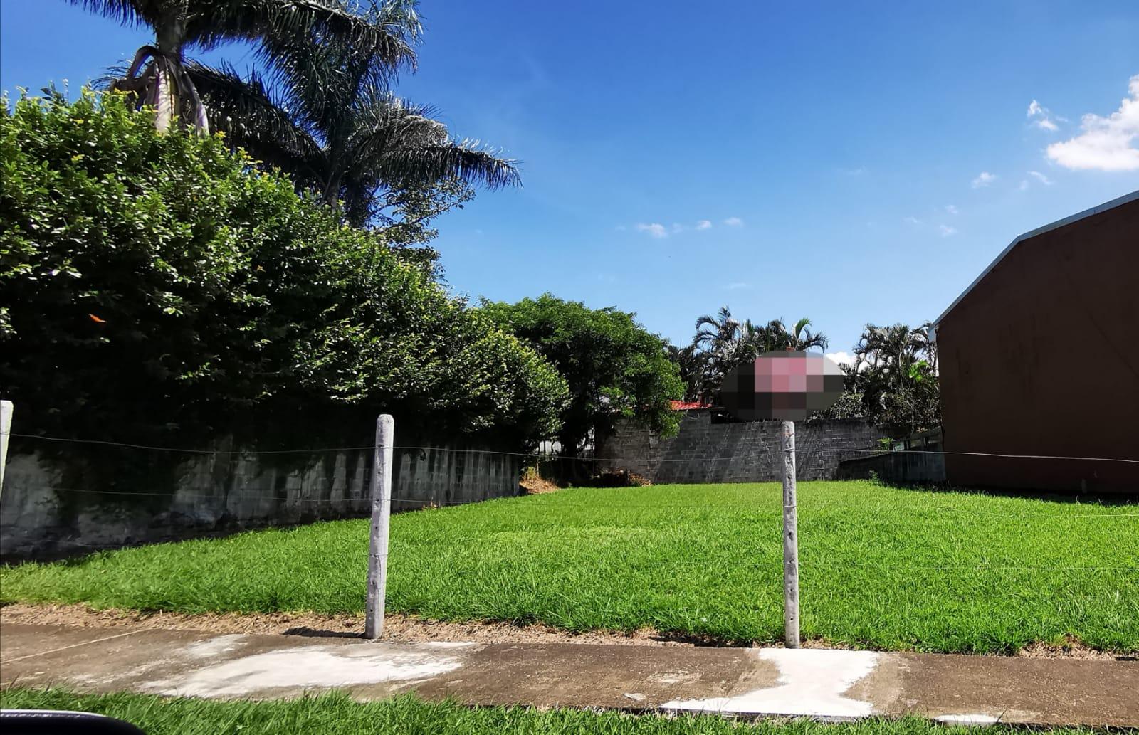 3248 Se vende lote en Guachipelin dentro de residencial.