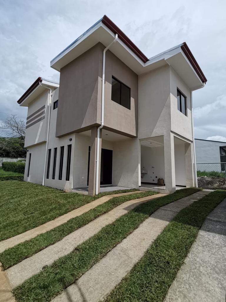 3264 Se vende casa en Turrúcares de Alajuela.