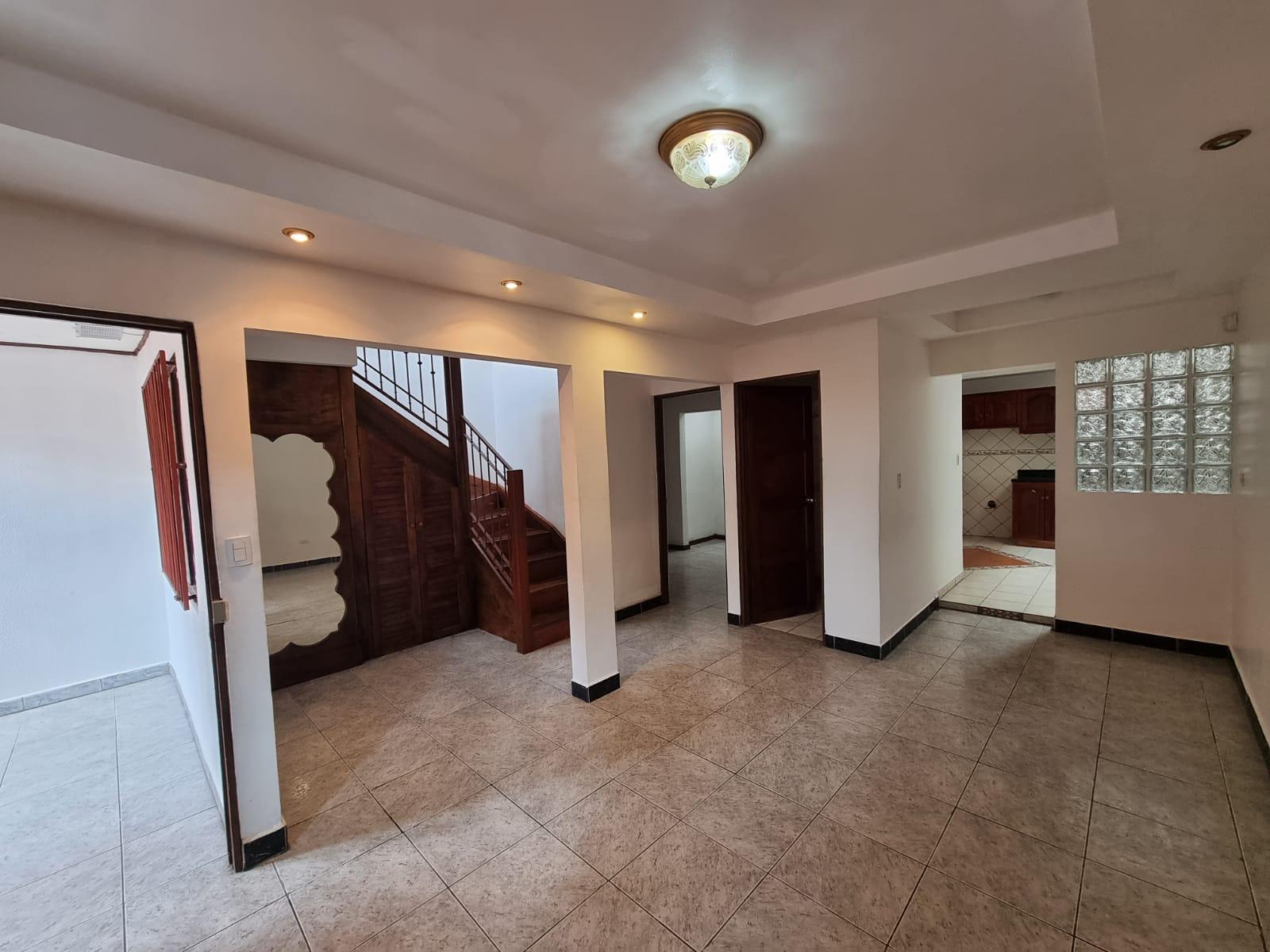 3273 Se vende casa en San Pablo de Heredia