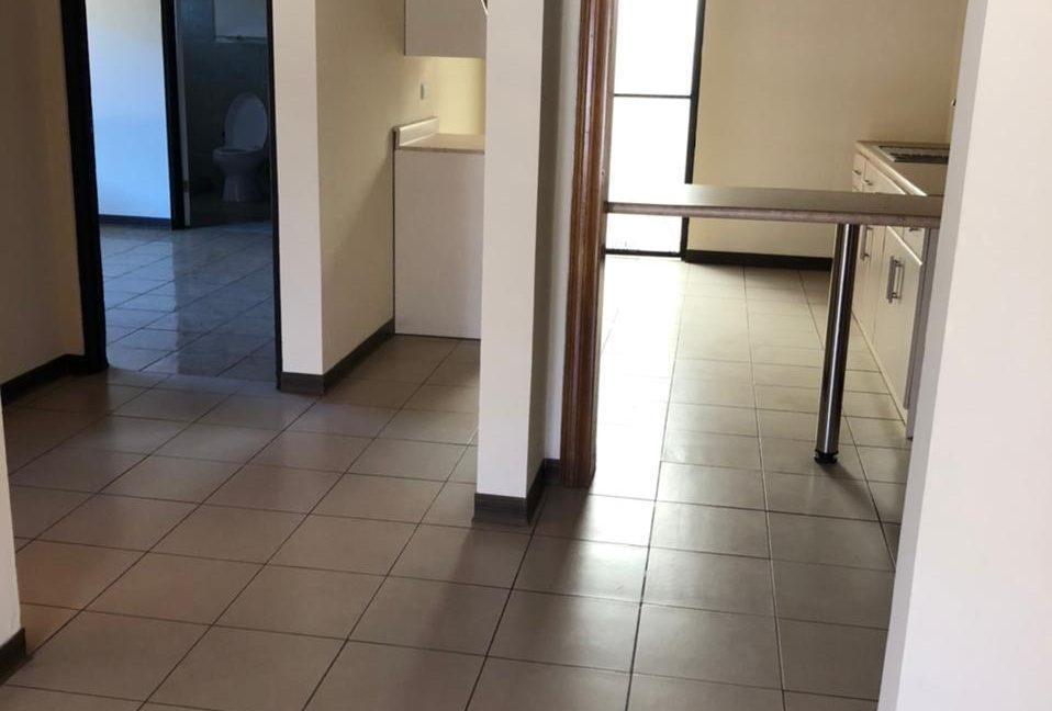 area abierta que una sala comedor y cocina 2021-08-12 at 13.59.00 (9)