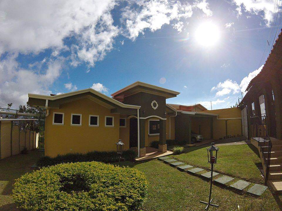 3331 Se vende casa en San Isidro de Heredia